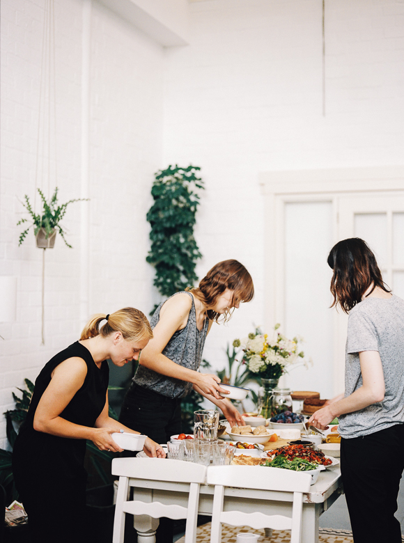 hear hear picnic gathering food bandits inspire styling