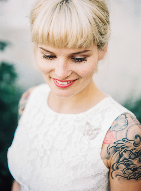 bruiloft onne laura edgy city wedding tattoos
