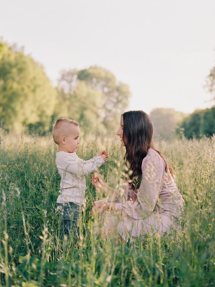familieshoot moeder zoon analoog hanke arkenbout photography zoetermeer